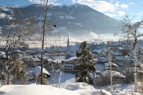 Een impressie van wintersport vakantie in Fugen, Fugen, Fuegen, Zillertal, Oostenrijk