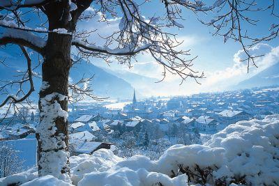 Impressie van de winter in wintersport plaats Hochfugen, onderdeel van skioptimal en zillertal
